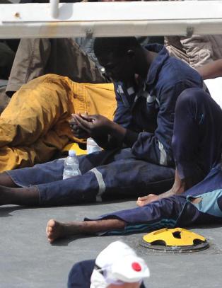 - Gutt (16) som overlevde katastrofeforliset var p� vei til Norge