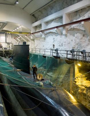 Kritiserer Nato-Jens for billigsalg av ubåtbase