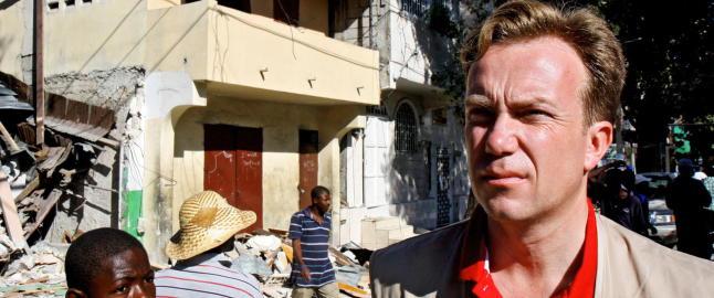 R�de Kors sender sykehus med operasjonsstue til Nepal