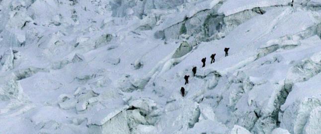 Nordmann p� Everest: Stien ned fra Basecamp 2 kan v�re �delagt