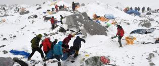 Sju nordmenn fl�yet ned fra Mount Everest-camp