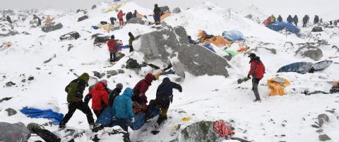 Sju nordmenn fl�yet ned fra Mount Everest-camp