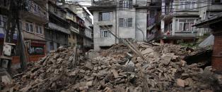 Piloten til de innesperrede passasjerene om bord flyet i Katmandu: - Ingen er i flyt�rnet