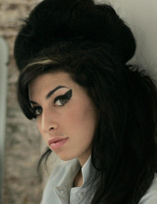 Amy Winehouses familie ut mot ny dokumentar