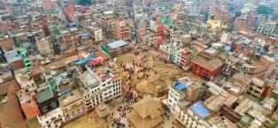Slik ser det ut i Nepal: En million mennesker har sovet ute siden l�rdag