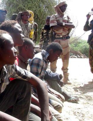 Hundrevis funnet d�de i massegraver i Nigeria