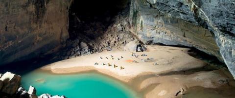 Denne utrolige grotta har egen strand, jungel, elv og �kosystem