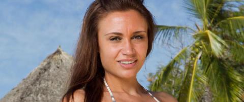 Paradise-Hotel-Alina klar for miss Universe-finale