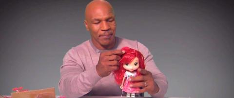 Her fors�ker Mike Tyson seg p� noe han neppe har gjort tidligere