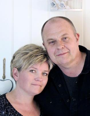 Fikk elektrosjokk: Steinar (53) husker ikke barnas oppvekst eller at han giftet seg med Monica (40)