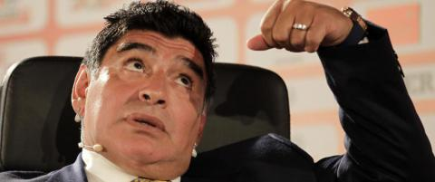 Maradona hudfletter Blatter