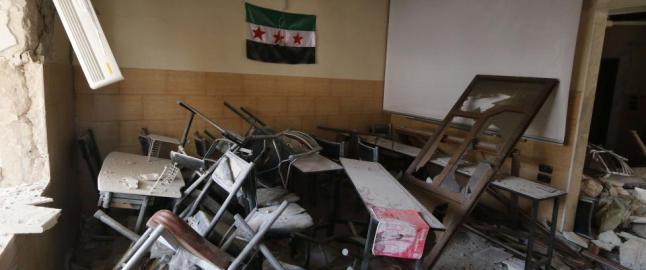 Her satt barna p� skolebenken. S� gikk en av Assads forbudte og hatede �t�nnebomber� i lufta