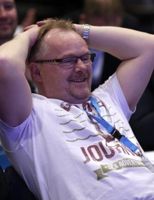 KrF-fylkesledere reagerer p� Sandberg-skjorta: - Det sier jo litt om holdningene han har til folk i en alvorlig livssituasjon