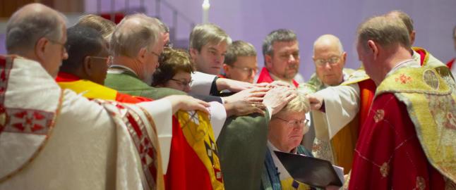 Lesbisk sokneprest nominert som biskop i nord