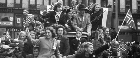 Egil Ulateig viser at alt ikke var r�dt, hvitt og bl�tt 8. mai 1945