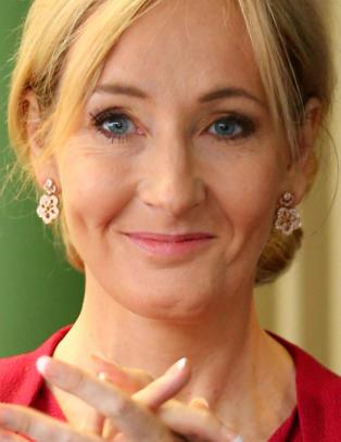 Twitter-brukeren sjosiah0 kalte JK Rowling �bitchface�. Svaret hennes fikk ham til � slette kontoen