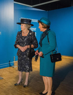 Dronning Sonja og prinsesse Beatrix �pnet Van Gogh-utstilling p� Munchmuseet