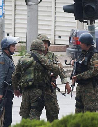 Fem politimenn drept i kamper i Makedonia