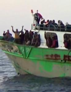 Krig og mer humanisme skal l�se flyktningekatastrofen
