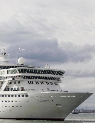 Norskeid cruice-skip med 1100 passasjerer sl�tt ut av magevirus