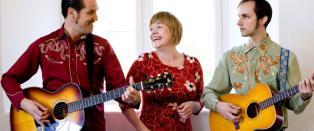 Randi Tytingv�g briljerer mellom to gitarister