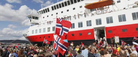 En brite har laget dokumentar om norsk sakte-TV som ble vist etter 17. mai-toget i Liverpool