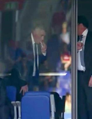 Ancelotti sneik seg til en r�yk p� tribuna mens gullet glapp for Real Madrid