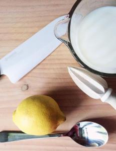 Du trenger ikke kj�pe surmelk, den lager du enkelt selv
