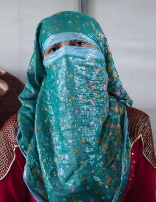 Strippes nakne og selges til h�ystbydende: IS sender �de vakreste jomfruene� til slavemarkeder i Syria
