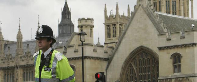 Hundrevis av britiske kjendiser etterforskes for overgrep