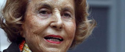 Verdens nest rikeste kvinne (92) kan ha blitt lurt til � gi vekk flere milliarder kroner