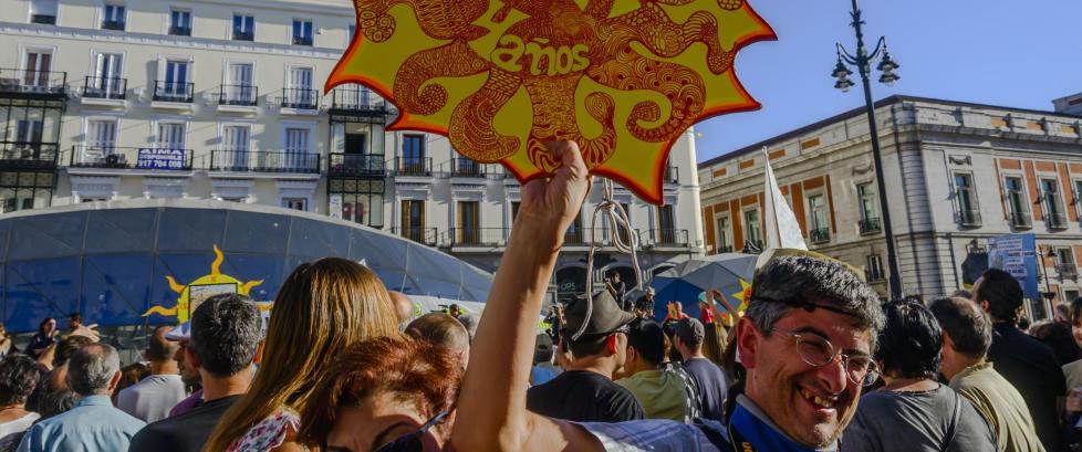 Spania bikker til venstre