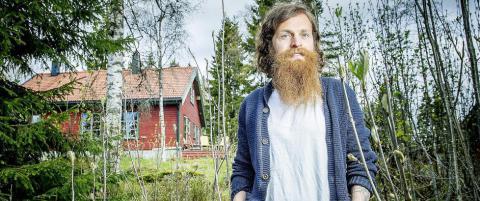 Magnus Eliassen sover utend�rs hver natt