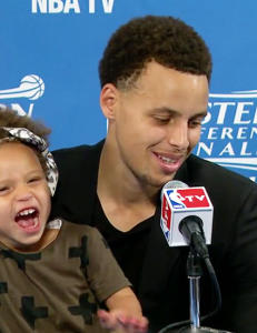 Stephen Currys datter stjal all oppmerksomheten under pressekonferansen