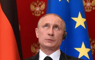 N� gj�r han det igjen: Putin truer gigantene Google og Facebook