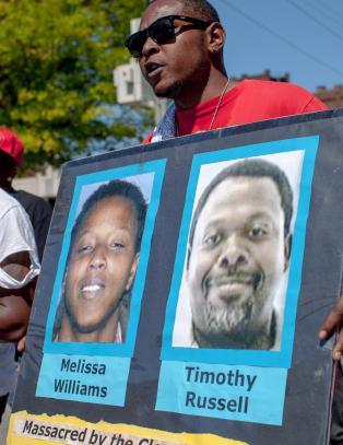Ny uro etter at hvit politimann ble frikjent for dobbeltdrap
