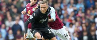 Fredrik Ulvestad (22) startet i Premier League i dag, men tenker ikke p� landslagsspill