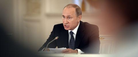 Ny lov gj�r at Putin kan utestenge alle �destruktive� organisasjoner og selskaper han m�tte �nske