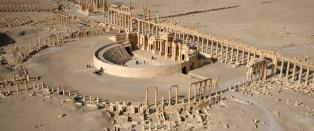 Syria bomber den antikke ruinbyen etter rapportene om drap p� kvinner og barn