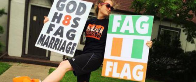 Kristenfanatikere skulle demonstrere mot irsk homolov - bommet p� flagget og rettet hatet mot Elfenbenskysten