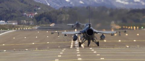 Putin viser muskler med 250 milit�rfly i lufta