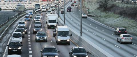 Endrer el-bilvedtaket: N� er det bare elbiler med passasjerer som f�r bruke kollektivfeltet p� E18 i rushtida