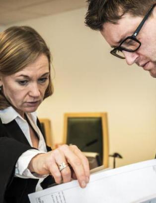 N� skal en jury avgj�re om kvinne (53) drepte direkt�r-ektemann