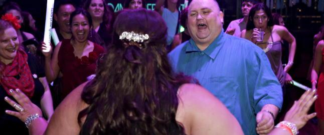 Sean ble kjent som �Dancing Man� og mobbet av nettb�ller for vekta. S� fikk han sitt livs fest i Hollywood