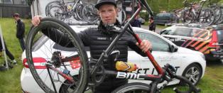 Sykkelen knakk fire steder etter massevelt