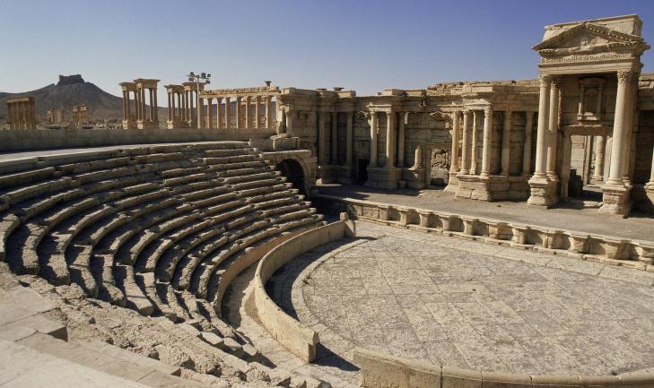 20 syrere henrettet av IS i D�dens teater. 600 er fanget og st�r p� vent