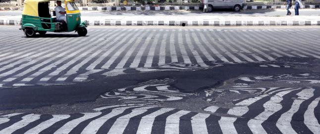Det er s� varmt at asfalten smelter. Over 1000 er d�de og heteb�lgen skal fortsette