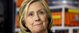 Hillary Clinton driver valgkamp uten � snakke med pressen