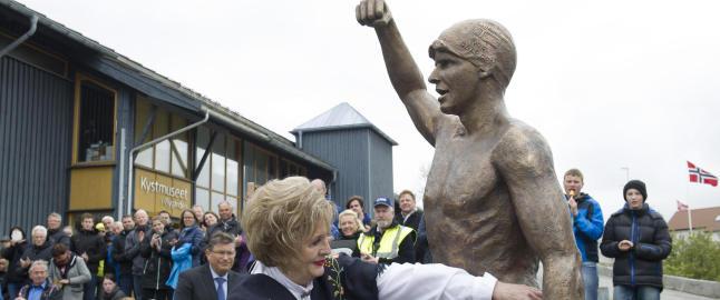 Dale Oen ble hedret og minnet med statue i �ygarden
