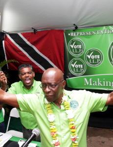 Warner forlot varetekten i ambulanse - avbildet p� fest samme dag